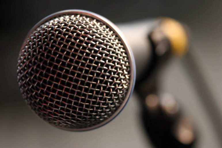 close-up_of_a_microphone