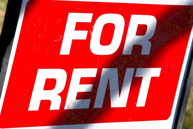 1280px-For-rent-sign