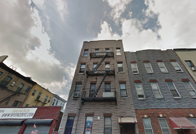 There are more than 20 housing-code violations per apartment in this Bushwick building.