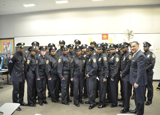 City\'s Homeless Shelter Cops Need More Training, Advocates Say ...