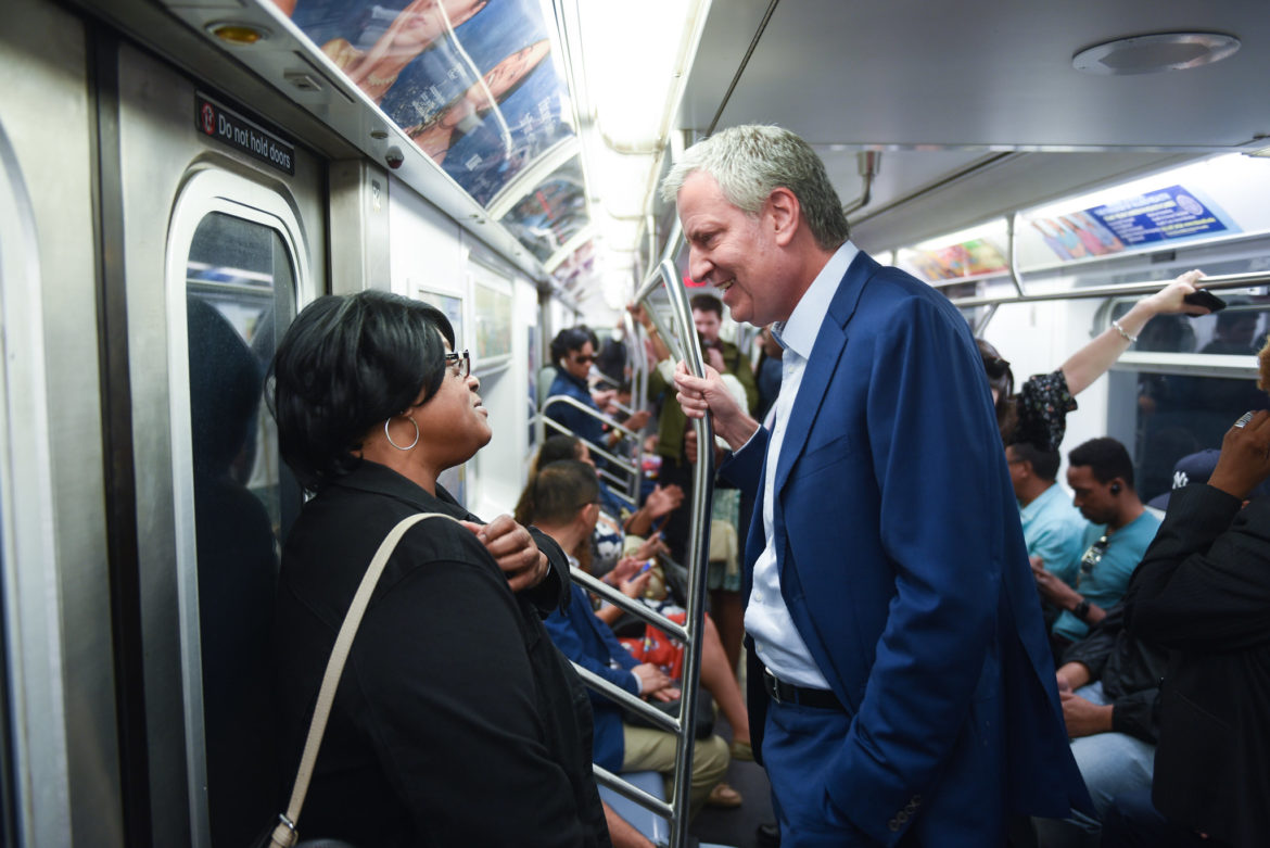 Mayor de Blasio on the train